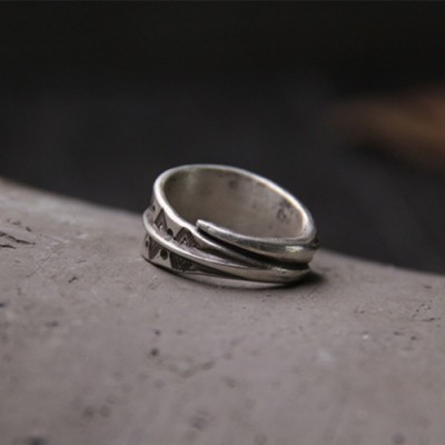 Sterling Silver Triangle Pattern Wrap Ring